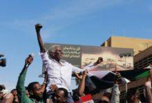 Photo of خبير يحذر من اتساع معسكر الثورة المضادة ويرهن مكافحتها بسيطرة الحكومة السودانية