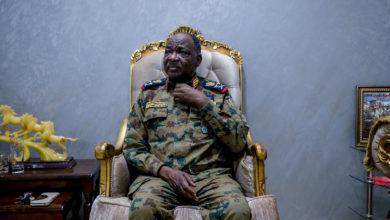 Photo of صلاح عبد الخالق: إنك لم تطلق رصاصة إلا حين تستدير للوراء