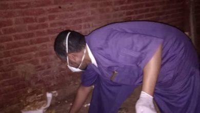 Photo of تطوع أطباء مستشفى أم درمان لنظافة المشفى ليلا يشعل المنصات الإجتماعية
