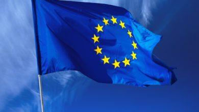 صورة وصول أعلى مسؤول عن المساعدات الاوروبية الإنسانية إلى السودان