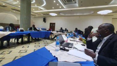 """صورة الحكومة السودانية و""""الثورية"""" يوقعان على اتفاقيات اليوم بجوبا"""