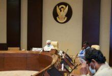 """صورة خلافات """"الحرية والتغيير"""" حول التطبيع على طاولة اجتماع بالقصر الرئاسي"""