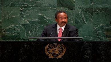 صورة رئيس الوزراء يقود وفد السودان إلى نيويورك