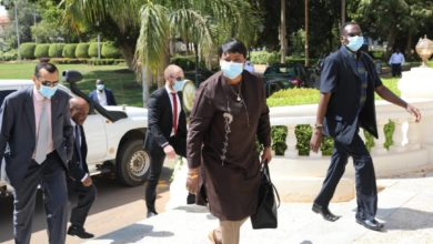 صورة السودان: مدعية الجنائية تتجول في القصر الرئاسي الذي كان حصنًا للمخلوع؟