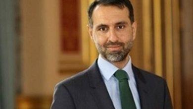 صورة مصدر: الحكومة غاضبة على تصريحات السفير البريطاني