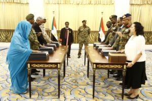 خلال أداء أعضاء المجلس السيادي الانتقالي القسم في الخرطوم - أرشيفية