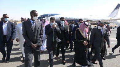 صورة وزير الخارجية السعودي يصل الخرطوم لتفعيل اتفاقيات بين البلدين