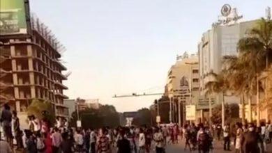 صورة السودان: اطلاق الغاز المسيل للدموع لتفريق محتجين قرب القصر الرئاسي