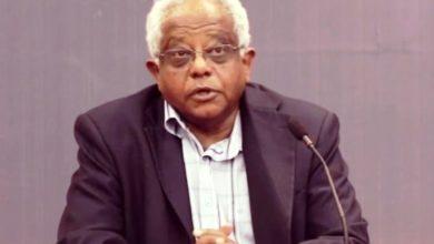 صورة مصادر (التغيير): قرار التجميد سببه ضغوط على حمدوك.. وتوقعات باستقالة القراي
