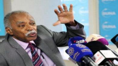 صورة وزير التعليم السوداني يُرجي اتخاذ موقف حول قضية (المناهج) لحين رد رئيس الوزراء