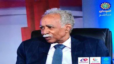 صورة وزير التربية والتعليم السوداني يهاجم «حمدوك»