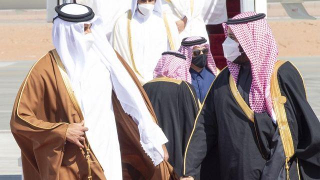 الصورة للأمير تميم بن حمد أمير قطر ، و الأمير محمد بن سلمان بعد المصالحة الخليجية