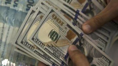 صورة تجار بالسوق الموازي لـ«التغيير»: لا تغييرات تذكر على سعر الدولار
