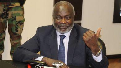صورة وزير المالية السوداني: «لن يغمض لنا جفن حتى نقضي على الصفوف»