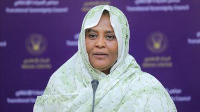 صورة مريم المهدي.. طبيبة في مهمة طارئة لمعالجة مشكلات السودان الخارجية