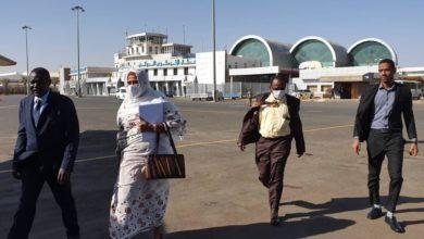 صورة وزيرة الخارجية السودانية تتوجه إلى جوبا في أولى جولاتها خارج البلاد