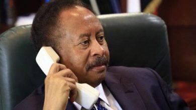صورة مشاورات هاتفية بين رئيس الوزراء السوداني والرئيس الكيني