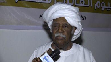 صورة حيدر إبراهيم: نبرة الشعر خلال الثورة السودانية عبرت ما يعوق التقدم
