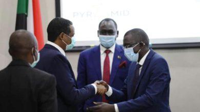 صورة اجتماع بين البرهان والحلو السبت وانضمام فصيل جديد لسلام السودان