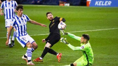 صورة برشلونة يسحق سوسيداد بسداسية ويطارد أتلتيكو في الدوري الإسباني