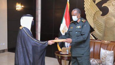 صورة البرهان يتلقى دعوة رسمية لزيارة قطر