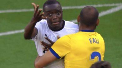صورة «العنصرية» توقف مباراة في الدوري الإسباني