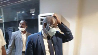 صورة مفوض الحدود السوداني يعود من الإمارات وينهي رحلة مثيرة للجدل