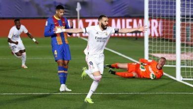 صورة الريال يسقط برشلونة في الكلاسيكو ويتصدر الدوري الأسباني مؤقتاً