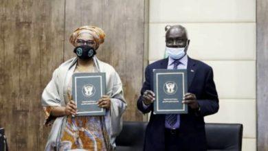 صورة السودان يوقع اتفاقية قرض تجسيري لإنهاء ديون بنك التنمية الأفريقي