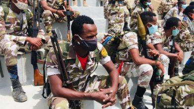 صورة ترحيل جنود إثيوبيين إلى معسكرات اللجوء شرقي السودان
