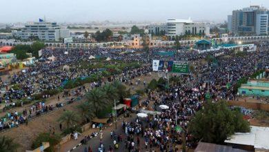 صورة نبيل أديب: نتيجة التحقيق في فض الاعتصام قد تؤدي لانقلاب عسكري